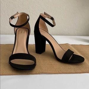 Black Strap Heels Women's Size 8